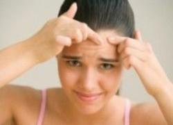 По прыщам на лице можно диагностировать болезни органов