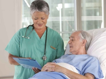 Британским медсестрам запретили обсуждать с пациентами эвтаназию в Швейцарии