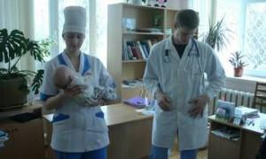 Молодым врачам выдадут по 200 тысяч рублей