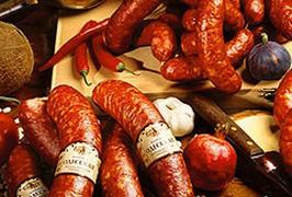 Колбаса повышает риск развития рака
