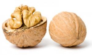 От «мужского» рака защитят грецкие орехи