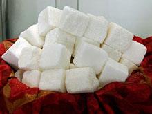 Американские ученые настаивают на приравнивании сахара к сигаретам и спиртному