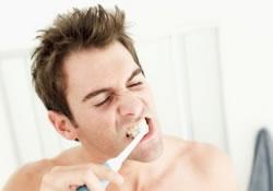Как зубная щетка убережет от менингита