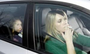 Пассивное курение оказалось наиболее опасным для маленьких девочек