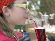 Австралийские ученые запрещают покупать детям газировку