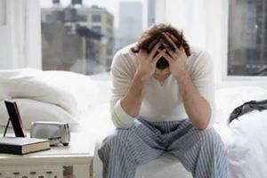 Мужчинам полезно спать без подушки