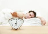 Недостаток сна приближает старческое слабоумие