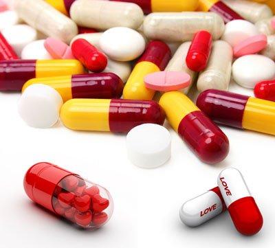 Три смоленские школьницы отравились таблетками