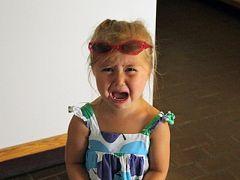 Истерика у ребенка: как быть «зрителям»?