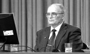 Скончался известный врач и автор учебника для медвузов Владимир Маколкин