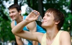 Семь стаканов воды избавят от головной боли