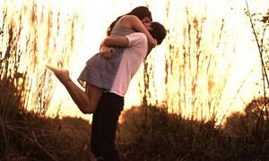 Объятия и поцелуи могут быть опасны для здоровья