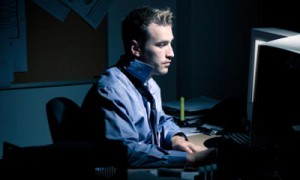 Работа в ночную смену может повышать риск рака у мужчин