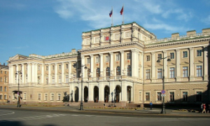 Питерским врачам к 2018 году пообещали зарплату в 115 тысяч рублей в месяц