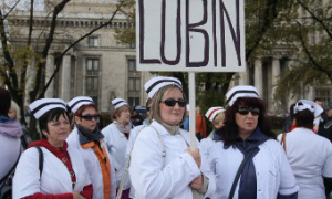 В Варшаве прошла массовая демонстрация медработников