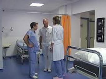 Во Франции хирурги и интерны объявили бессрочную забастовку