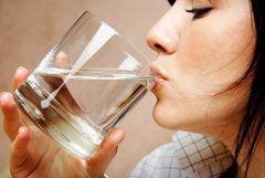 Обильное питье не избавит от сухой кожи