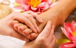 Эксперимент доказал способность необычного массажа ног избавить от неприятных симптомов рака