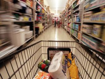 Аптечный бизнес просит власти не разрешать продажу лекарств в магазинах