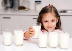 2 стакана молока в день – оптимально для дошколят. Но не более того!