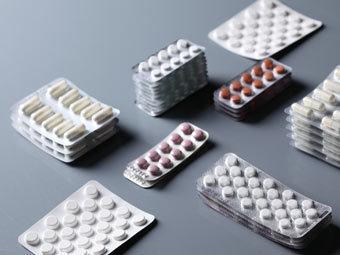 Медведев сообщил о снижении роста цен на лекарства
