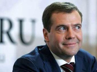 Медведев утвердил миллиардные субсидии на закупку лекарств