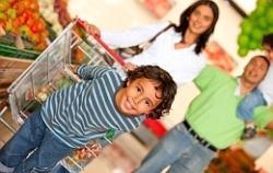 Ужин с семьей приучает детей к здоровому питанию
