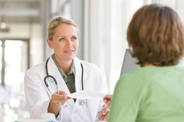 Позитивные взаимоотношения с врачом избавляют от боли