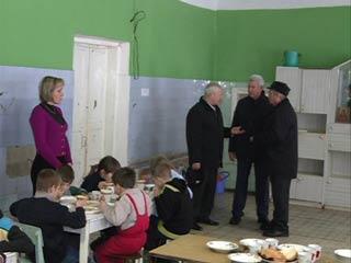 Смоленские депутаты помогают детям из противотуберкулезного санатория