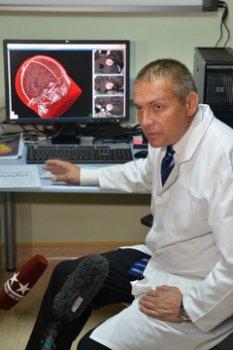 Основателю школы радиохирургии в России сегодня 50 лет