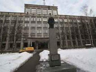 Прокуратура нашла щели и дыры в петербургском НИИ онкологии имени Петрова