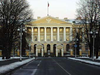 Финансирование бесплатной медпомощи жителям Петербурга увеличат на 20 процентов
