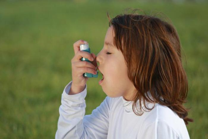 После ввода закона против курения в больницы Англии стало поступать меньше детей с астмой