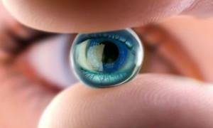 В России изобрели линзы, лечащие ожоги глаз
