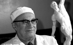 На 74-м году жизни умер хирург Александр Вишневский