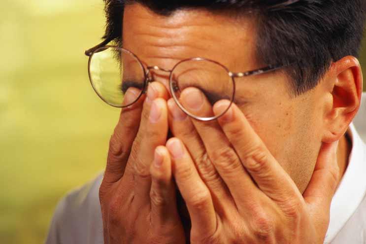 Интенсивные нагрузки на глаза: причина потери зрения