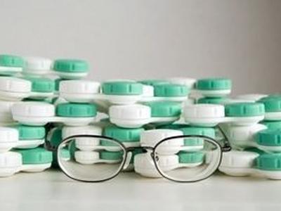 Очки, линзы или операция