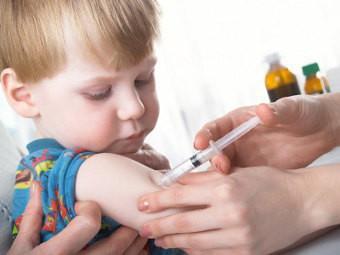 Студенты Приамурья верят в прививку от вшей