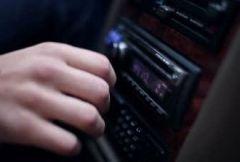 Прослушивание музыки за рулем может стать причиной ДТП