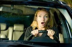 Женщины за рулем грубее мужчин