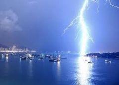 Как избежать удара молнии?