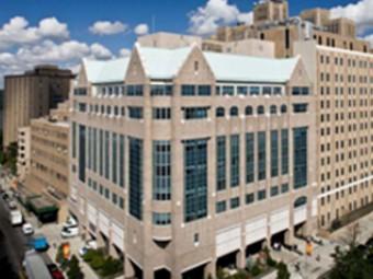 В нью-йоркской детской больнице томограф превратили в пиратский корабль