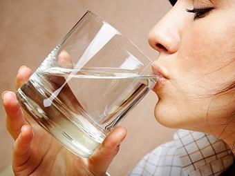 Бутилированная вода способна вызывать гормональные нарушения