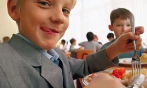 Роспотребнадзор намерен ввести в рацион россиян больше молока и йода