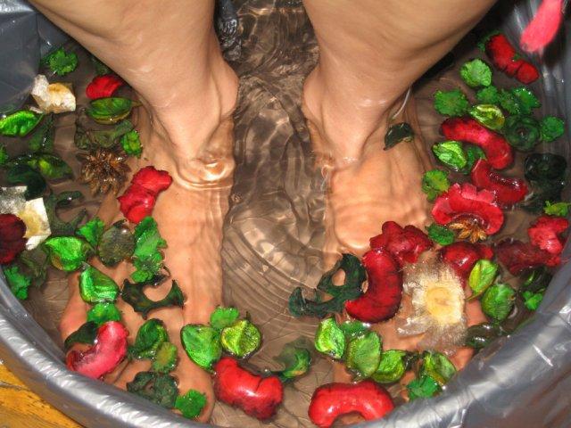 Ванночки для натруженных ног: полезные советы