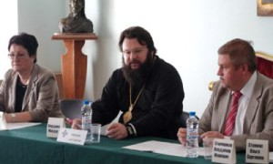 К борьбе с «антипрививочными» настроениями смолян подключили церковь