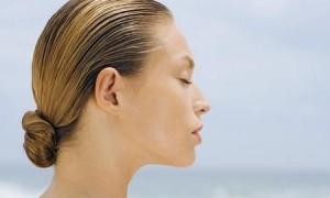 Уход за жирными волосами: что стоит соблюдать