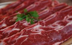 Американские ученые связали рак груди у женщин с любовью к красному мясу