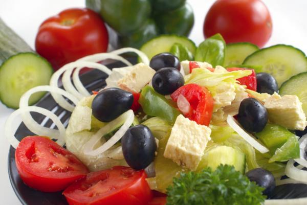 Какие основные принципы средиземноморской диеты