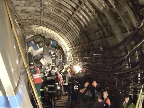 18 пострадавших при аварии в метро выписались из больниц